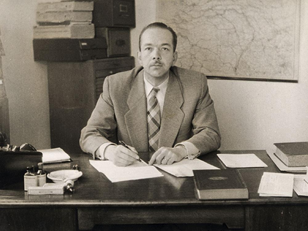 برنارد ای ( Bernard Aa ) ؛ موسس شرکت بیفار Beaphar